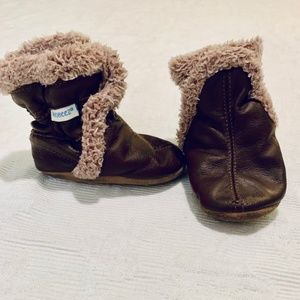 Robeez Brown Soft Sole Booties Size 0-6M